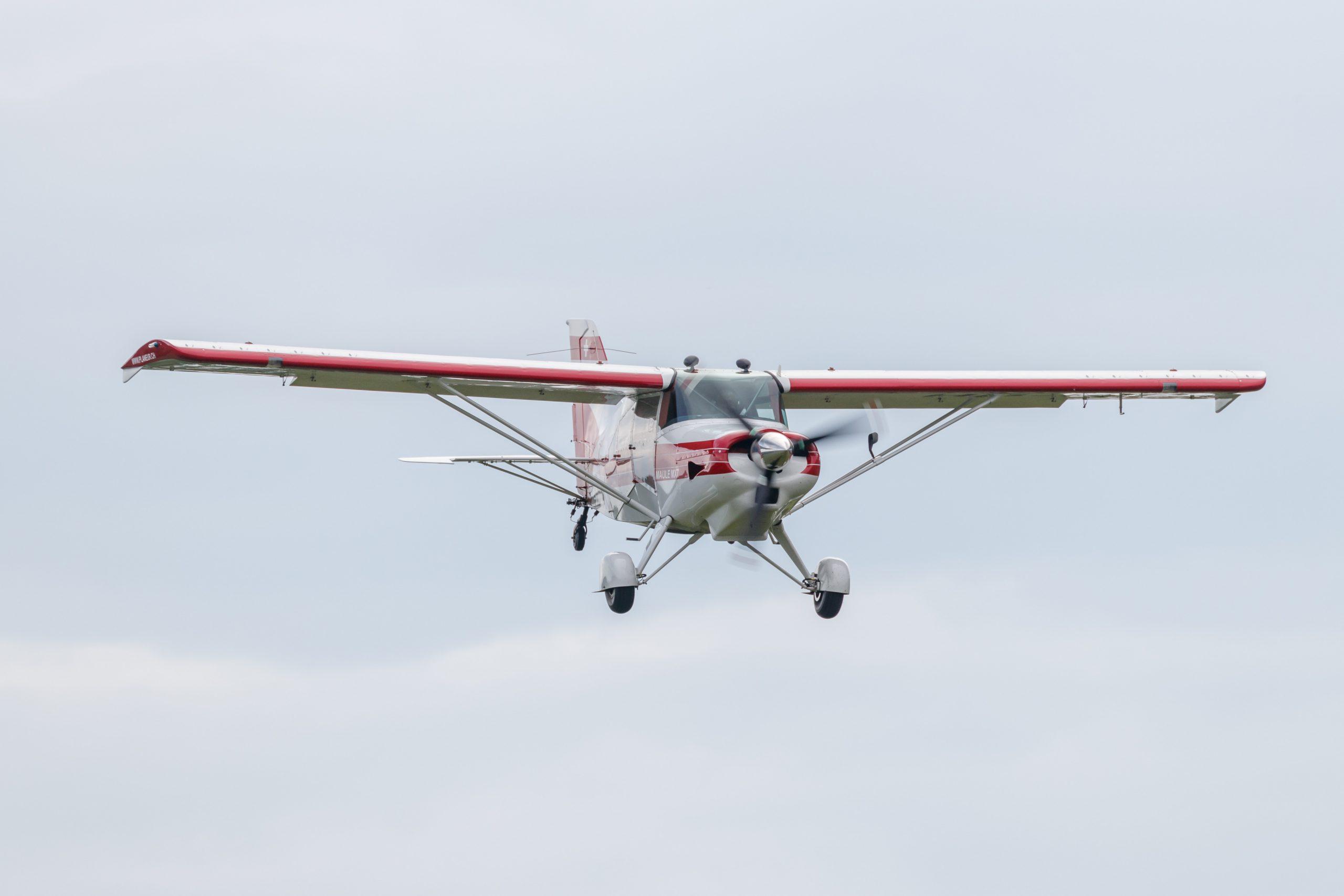 Biplan dans les airs